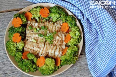 Cá basa hấp bông cải xanh