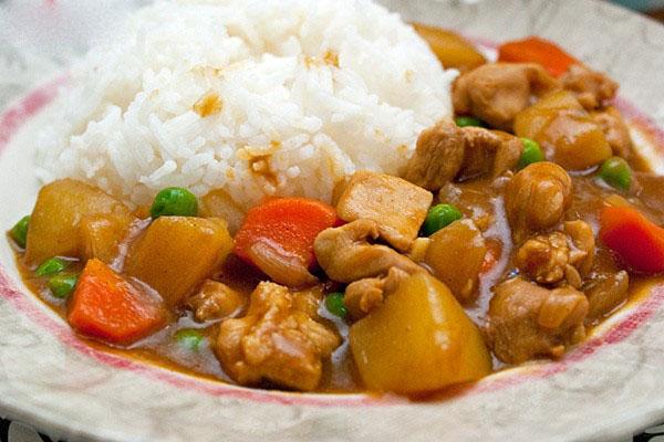 Cách nấu cà ri gà kiểu Nhật thơm ngon vừa miệng
