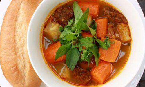 Món bò kho nước dừa