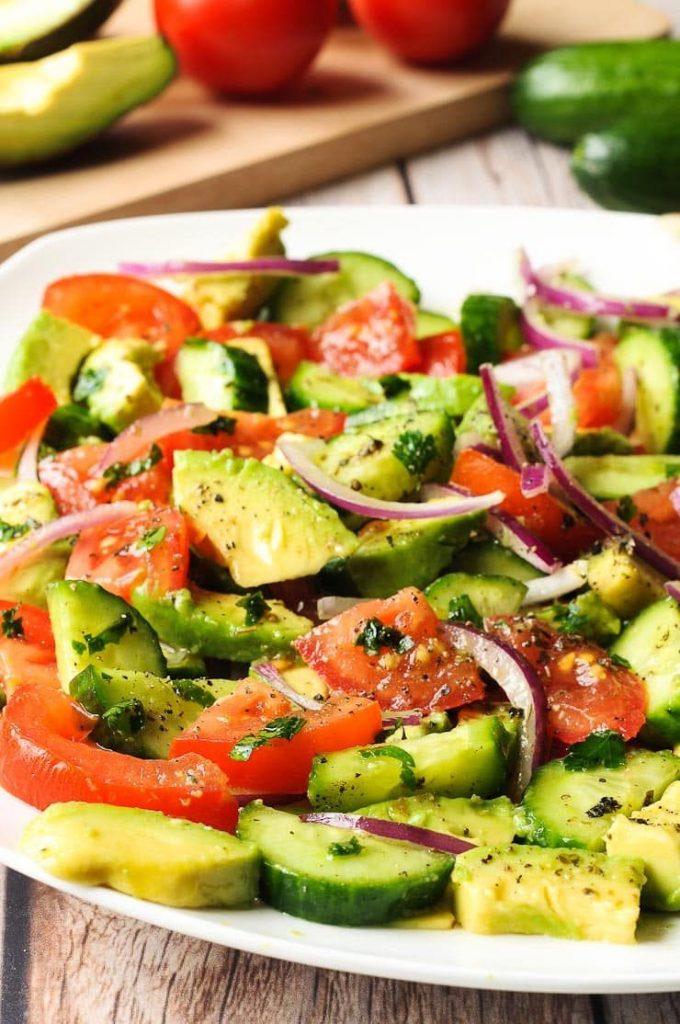 Salad cà chua, dưa chuột thơm ngon bổ dưỡng