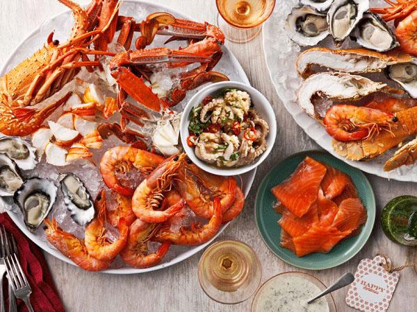 Hầu hết các loại hải sản đều chứa nhiều dưỡng chất tốt cho cơ thể