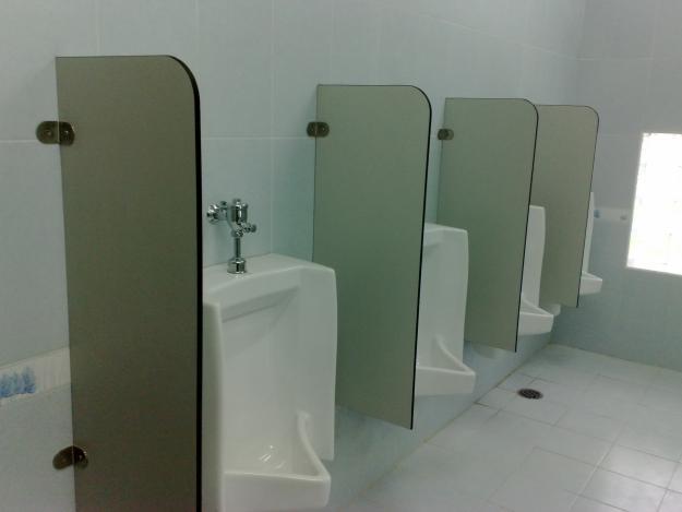 Nhà vệ sinh quán nhậu thuận tiện và sạch sẽ