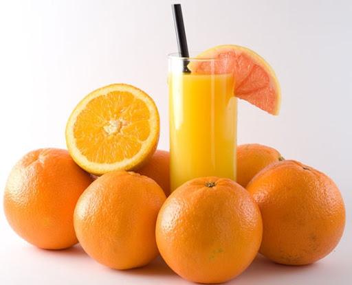 Nước cam ép - không nên uống khi đói